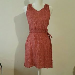 (NEW) H&M Red Mid Length Sleeve-less Dress